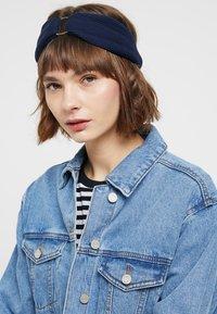 Even&Odd - 2 PACK HEADBAND - Hair styling accessory - dark blue/mustard - 3