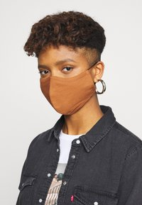 Even&Odd - 3 PACK - Community mask - multi/brown - 2