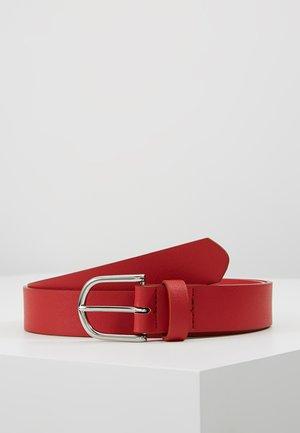 Skärp - red