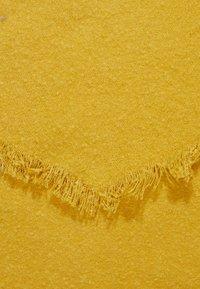 Even&Odd - Sjal - mustard - 2
