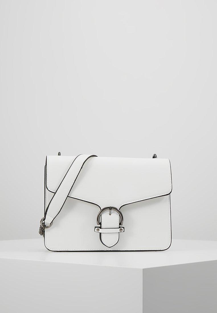 Even&Odd - Across body bag - white