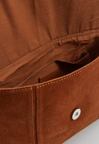 Even&Odd - LEATHER - Umhängetasche - cognac - 3
