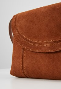 Even&Odd - LEATHER - Umhängetasche - cognac - 5
