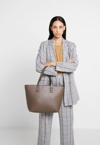 Even&Odd - Shopping bag - taupe - 1