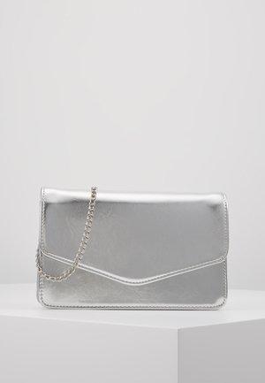 Pikkulaukku - silver