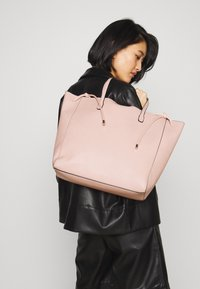 Even&Odd - Shoppingveske - pink - 1