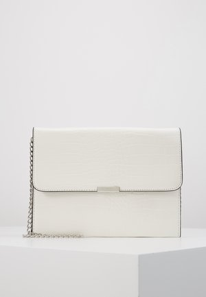 Clutch - white