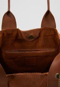 Even&Odd - LEATHER - Tote bag - cognac - 5