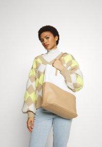 Even&Odd - Shopping bags - white/beige - 1