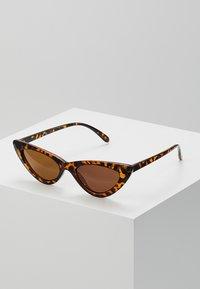 Even&Odd - Sluneční brýle - brown - 0