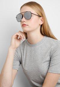 Even&Odd - Sonnenbrille - silver - 1
