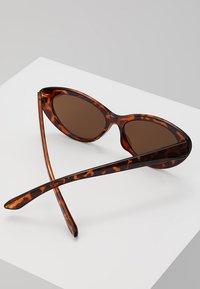 Even&Odd - Sunglasses - brown - 3