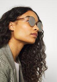 Even&Odd - Sunglasses - rose - 1