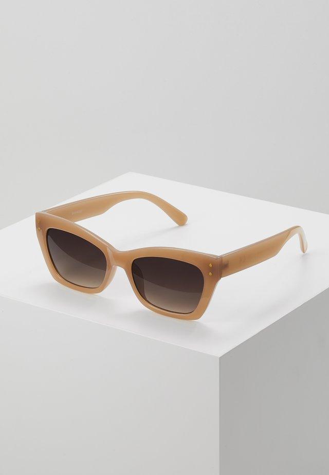 Okulary przeciwsłoneczne - nude