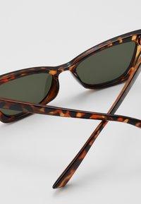 Even&Odd - Aurinkolasit - brown - 3