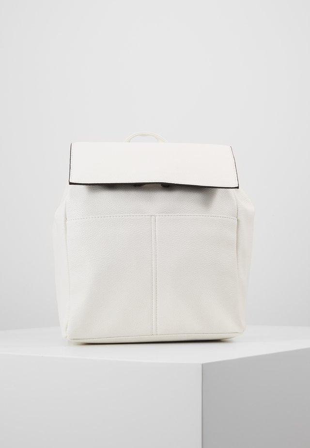 Tagesrucksack - white