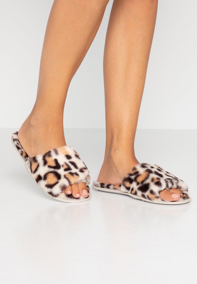 Even&Odd - Domácí obuv - brown