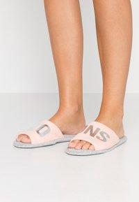 Even&Odd - Domácí obuv - pink - 0
