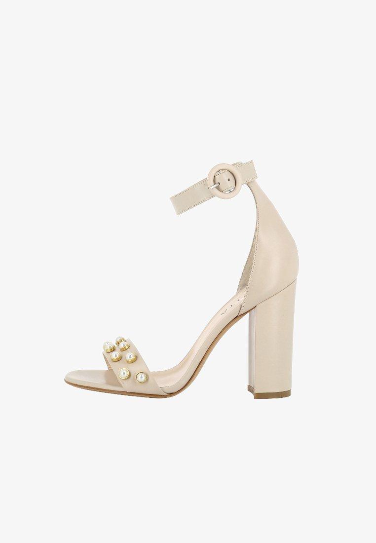 Evita - EVA - Højhælede sandaletter / Højhælede sandaler - off-white