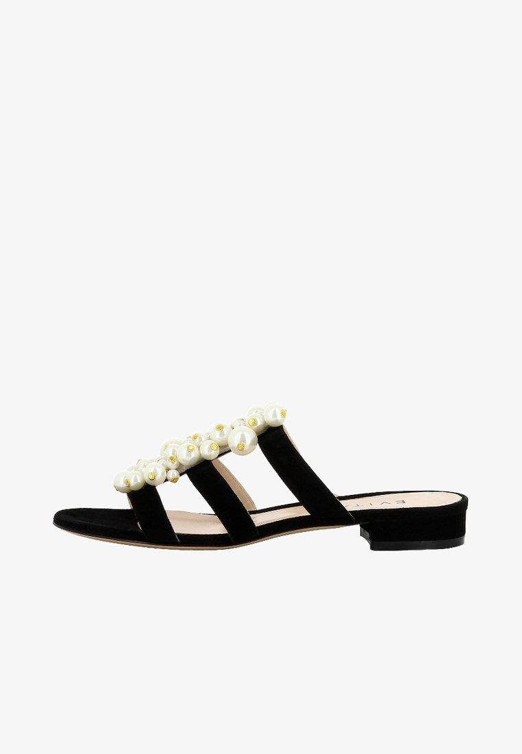 Evita - SALVINA - Sandalias planas - black