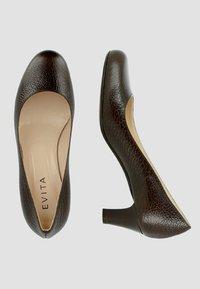 Evita - Escarpins - dark brown - 1