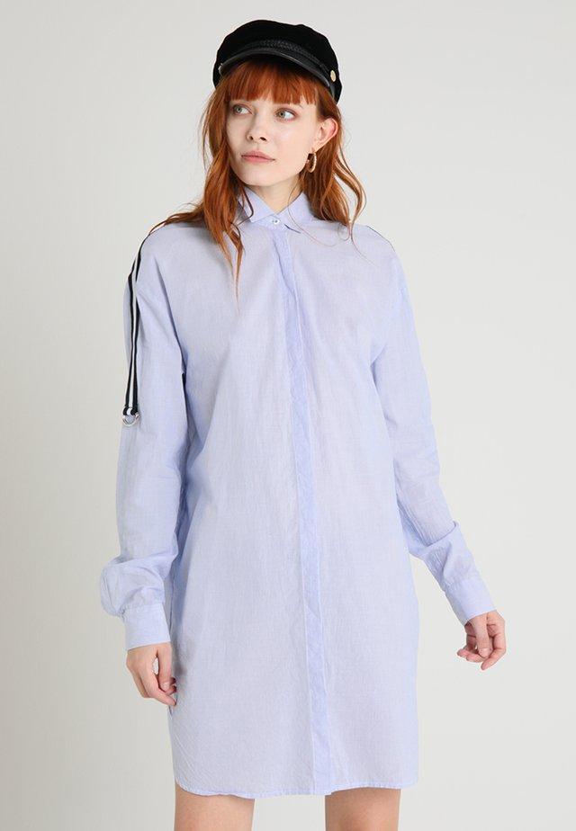 Skjortklänning - white/blue