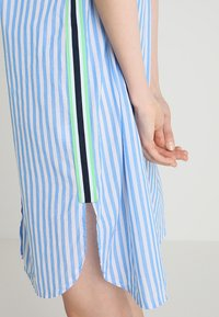 Emily van den Bergh - Shirt dress - white/blue - 5