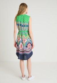 Emily van den Bergh - Day dress - green/pink - 2