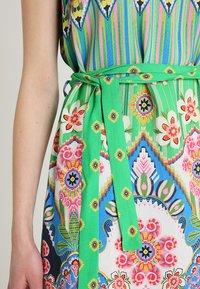 Emily van den Bergh - Day dress - green/pink - 5