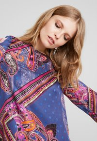 Emily van den Bergh - Day dress - multicolour - 3