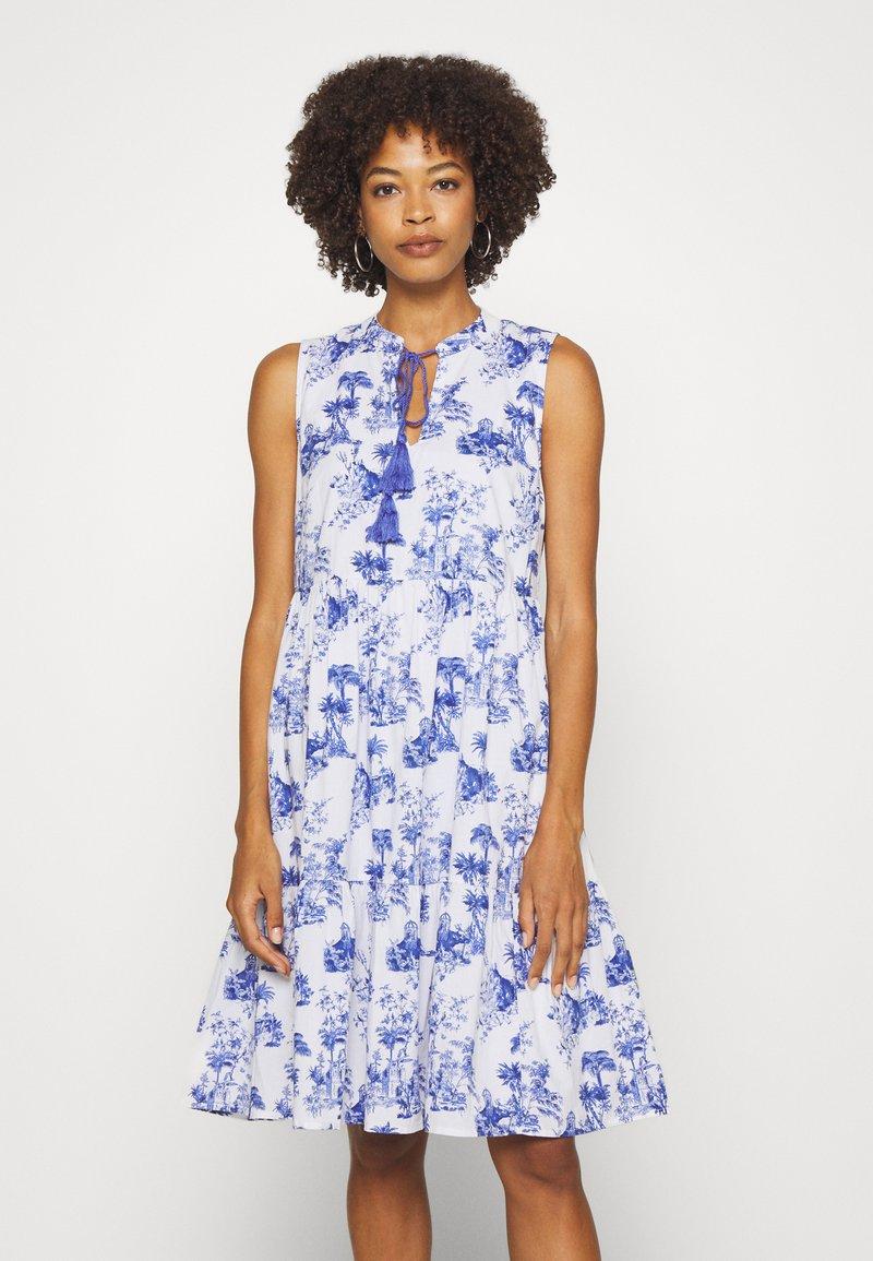 Emily van den Bergh - DRESS - Denní šaty - white/blue