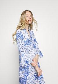 Emily van den Bergh - DRESS - Maxi dress - white/blue - 3