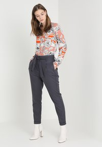 Emily van den Bergh - Blouse - orange/black - 1