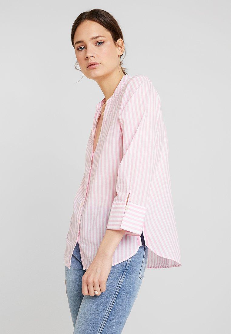 Emily van den Bergh - Button-down blouse - white/pink
