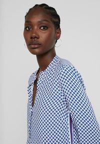 Emily van den Bergh - Blouse - blue/white - 3