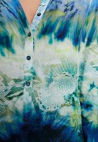 Emily van den Bergh - Blůza - green blue - 5