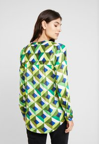 Emily van den Bergh - Bluser - multicolour green - 2
