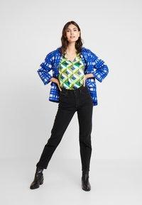 Emily van den Bergh - Bluser - multicolour green - 1