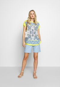 Emily van den Bergh - Blouse - yellow/blue - 1