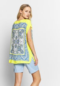 Emily van den Bergh - Blouse - yellow/blue - 3