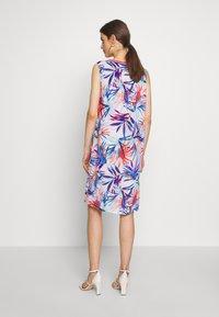 Emily van den Bergh - Day dress - red/blue - 3