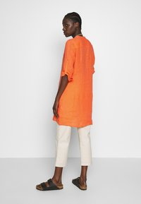 Emily van den Bergh - Blouse - orange - 2
