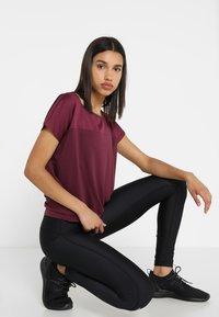 Even&Odd active - T-shirts - grape wine - 1