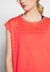 Even&Odd active - T-shirts med print - coral - 4