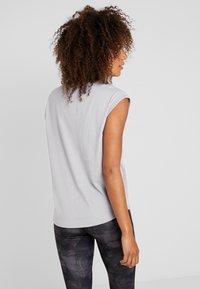 Even&Odd active - T-shirt con stampa - silver - 2