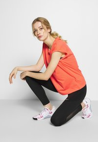 Even&Odd active - T-shirts print - coral - 1