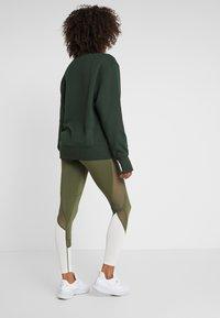 Even&Odd active - Leggings - dark green/multicolor - 2
