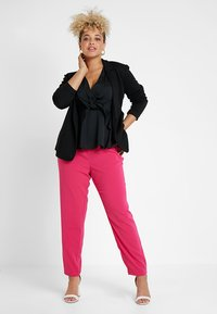 Even&Odd Curvy - Kalhoty - pink - 1