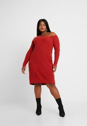 Sukienka dzianinowa - red