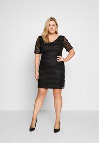 Even&Odd Curvy - DRESS BODYCON - Vestito elegante - black - 1